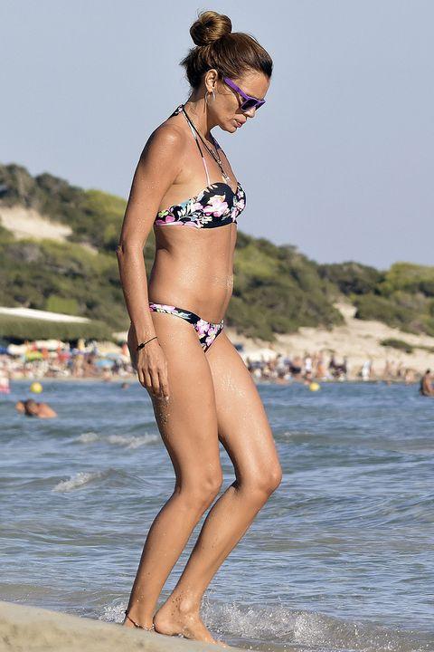 Bikini, Swimwear, Clothing, Undergarment, Beach, Beauty, Model, Photo shoot, Leg, Vacation,