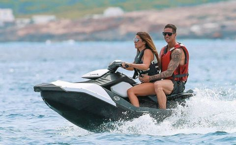 Fernando Torres con su mujer y sus hijos de vacaciones