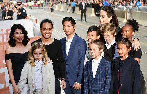 Angelina Jolie con sus hijos en Toronto