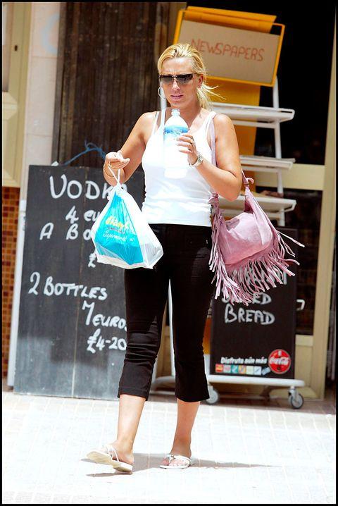 Clothing, Shopping, Snapshot, Street fashion, Fashion, Sportswear, Leg, Service, Footwear, Fashion accessory,