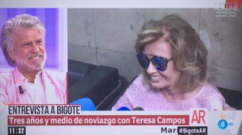 Eyewear, News, Photo caption, Glasses, Photography, Media, Smile, Sunglasses,