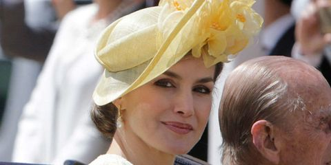 Hat, Yellow, Hairstyle, Fashion accessory, Headgear,