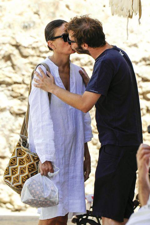 Laura Ponte con su novio