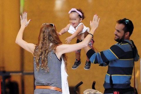 María Castro con su chico y su novio
