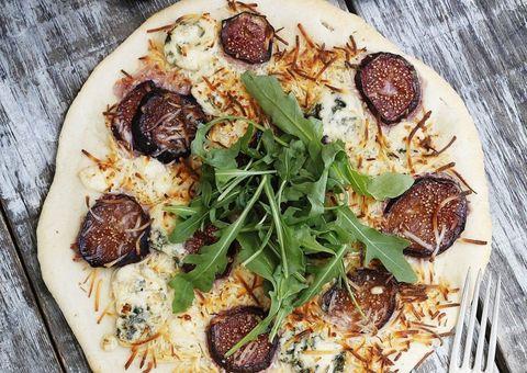 receta Pizza de higos frescos y queso azul
