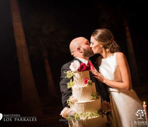 Photograph, Bride, Ceremony, Beauty, Event, Wedding dress, Wedding, Child, Yellow, Bridal clothing,