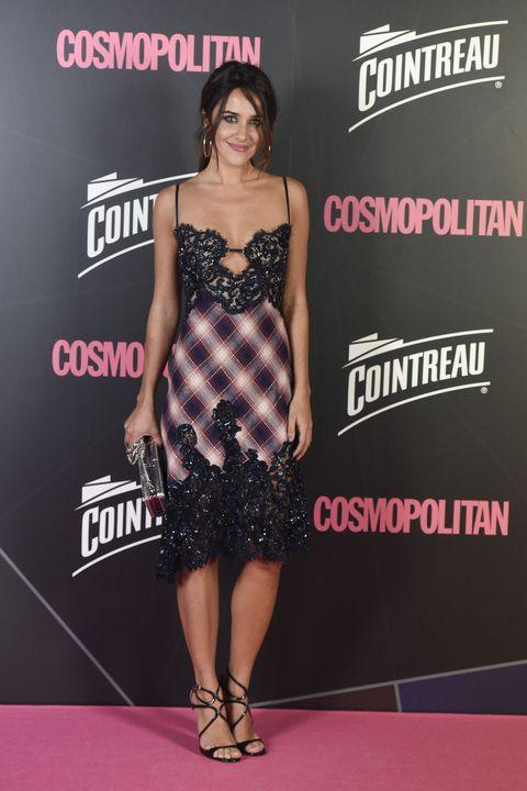 Clothing, Dress, Shoulder, Carpet, Premiere, Red carpet, Fashion, Cocktail dress, Joint, Fashion model,
