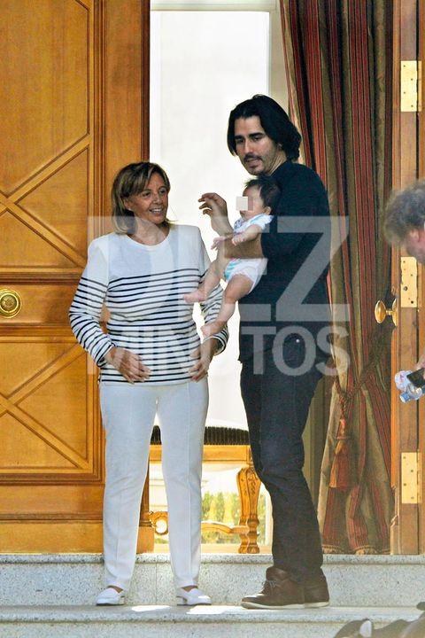 María Teresa Campos y Bigote Arrocet con su nieto