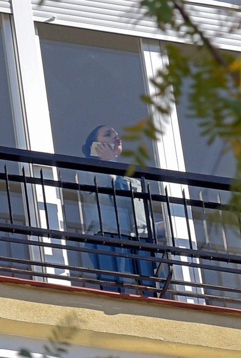 Daytime, Window, Architecture, Daylighting, Glass, Facade, Building, Window film, Balcony, Reflection,