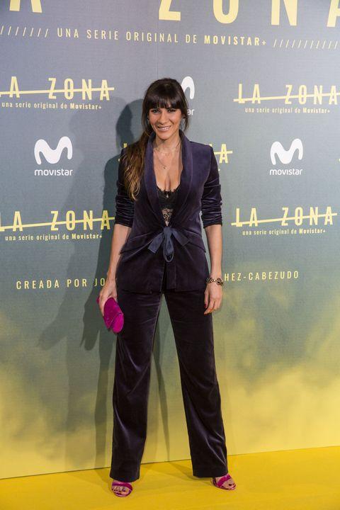 Red carpet, Fashion, Yellow, Carpet, Pantsuit, Flooring, Suit, Formal wear, Fashion design, Premiere,