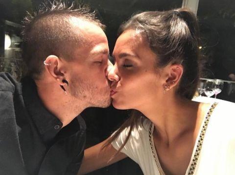 Kiss, Forehead, Interaction, Love, Nose, Cheek, Lip, Ear, Gesture, Romance,