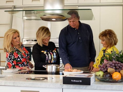 Kitchen, Food, Cooking, Meal, Chef, Lunch, Cook, Brunch, Room, Cooking show,