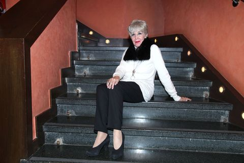 Stairs, Standing, Fashion, Leg, Footwear, Sitting, Shoe, Photography, Photo shoot, Flash photography,