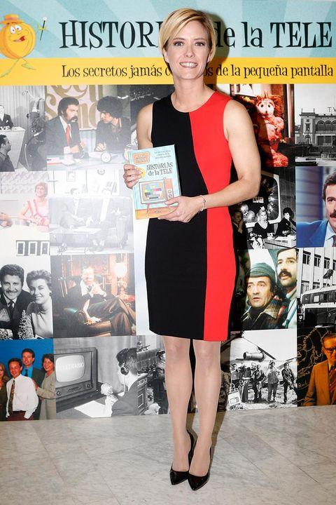 María Casado con su libro 'Historias de la tele'