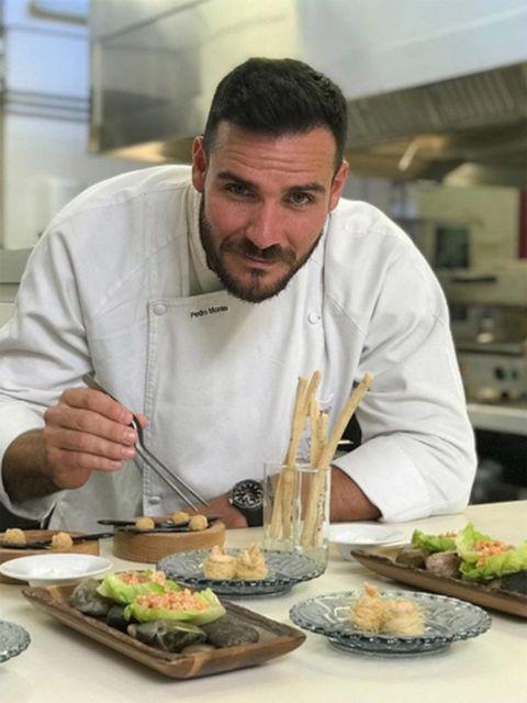Cook, Food, Chef, Dish, Culinary art, Cuisine, Cooking, À la carte food, Eating, Comfort food,