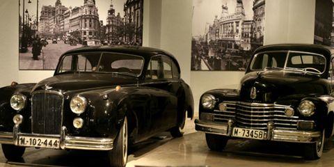 Land vehicle, Vehicle, Car, Classic car, Classic, Vintage car, Luxury vehicle, Antique car, Coupé, Sedan,