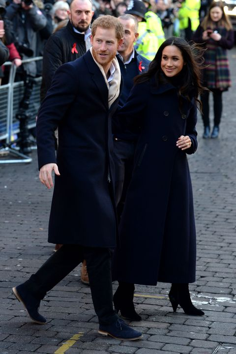 People, Fashion, Event, Human, Coat, Outerwear, Street fashion, Street, Overcoat, Formal wear,