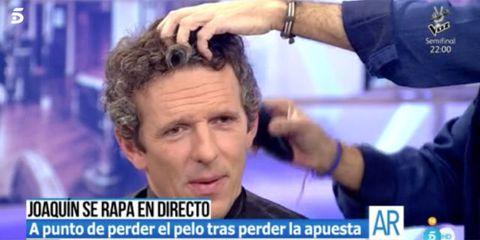 Hair, Forehead, Face, Hairstyle, Head, Nose, Photo caption, Skin, Chin, Cheek,
