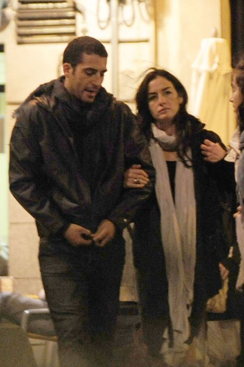 MIGUEL ANGEL SILVESTRE Y BELEN LOPEZ PASEANDO POR LAS CALLES DE MADRID