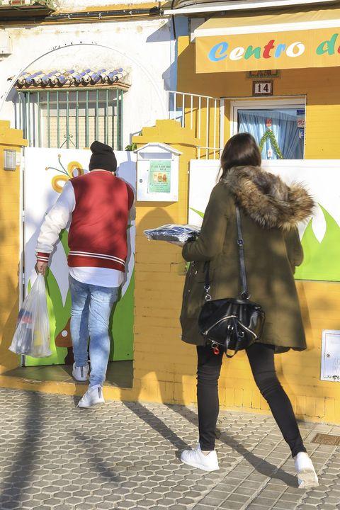 Yellow, Snapshot, Pedestrian, Street, Fun, Photography, Leisure, Tourism,