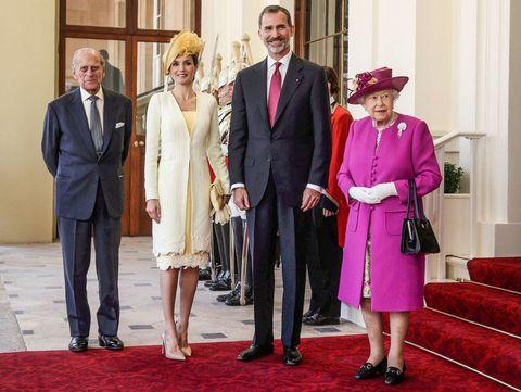 Los Reyes de España con la reina Isabel de Inglaterra