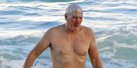 Richard Gere bañándose en México