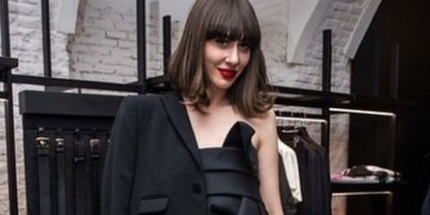 Fashion, Suit, Lip, Black hair, Blazer, Street fashion, Outerwear, Photography, Formal wear, Neck,