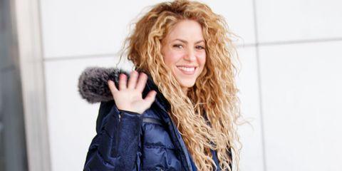 Hair, Hairstyle, Blond, Long hair, Beauty, Surfer hair, Brown hair, Fur, Lip, Hair coloring,