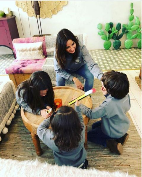 Child, Friendship, Play, Organism, Room, Adaptation, Learning, Table, Plant, Black hair,