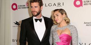 Liam Hemsworth y Miley Cyrus en la fiesta post Oscar de Elton John