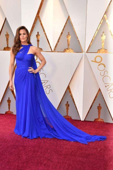 Red carpet, Carpet, Dress, Cobalt blue, Clothing, Gown, Shoulder, Flooring, Blue, Purple,