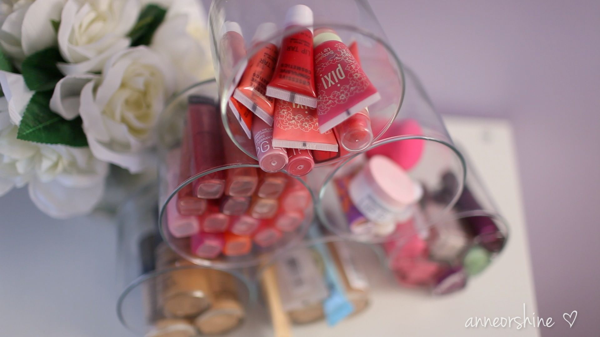 10 Easy Projects for Your Makeup Station