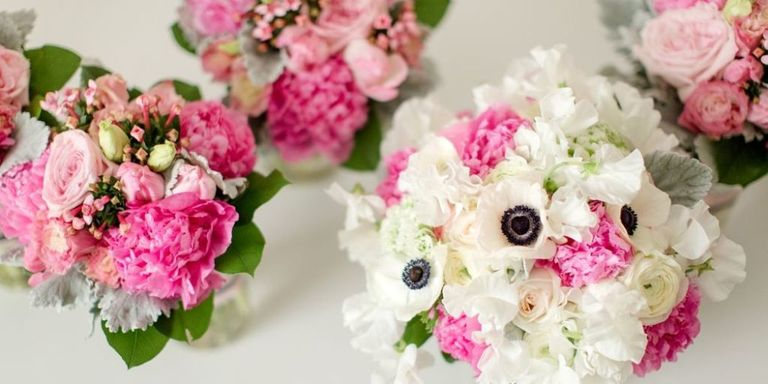 Winter wedding bouquets flower ideas for winter weddings a winter bouquet for every wedding junglespirit Images