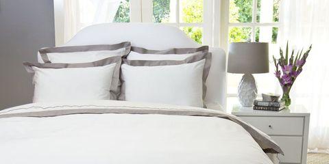 Room, Bed, Bedding, Property, Interior design, Textile, Bedroom, Bed sheet, Wall, Linens,