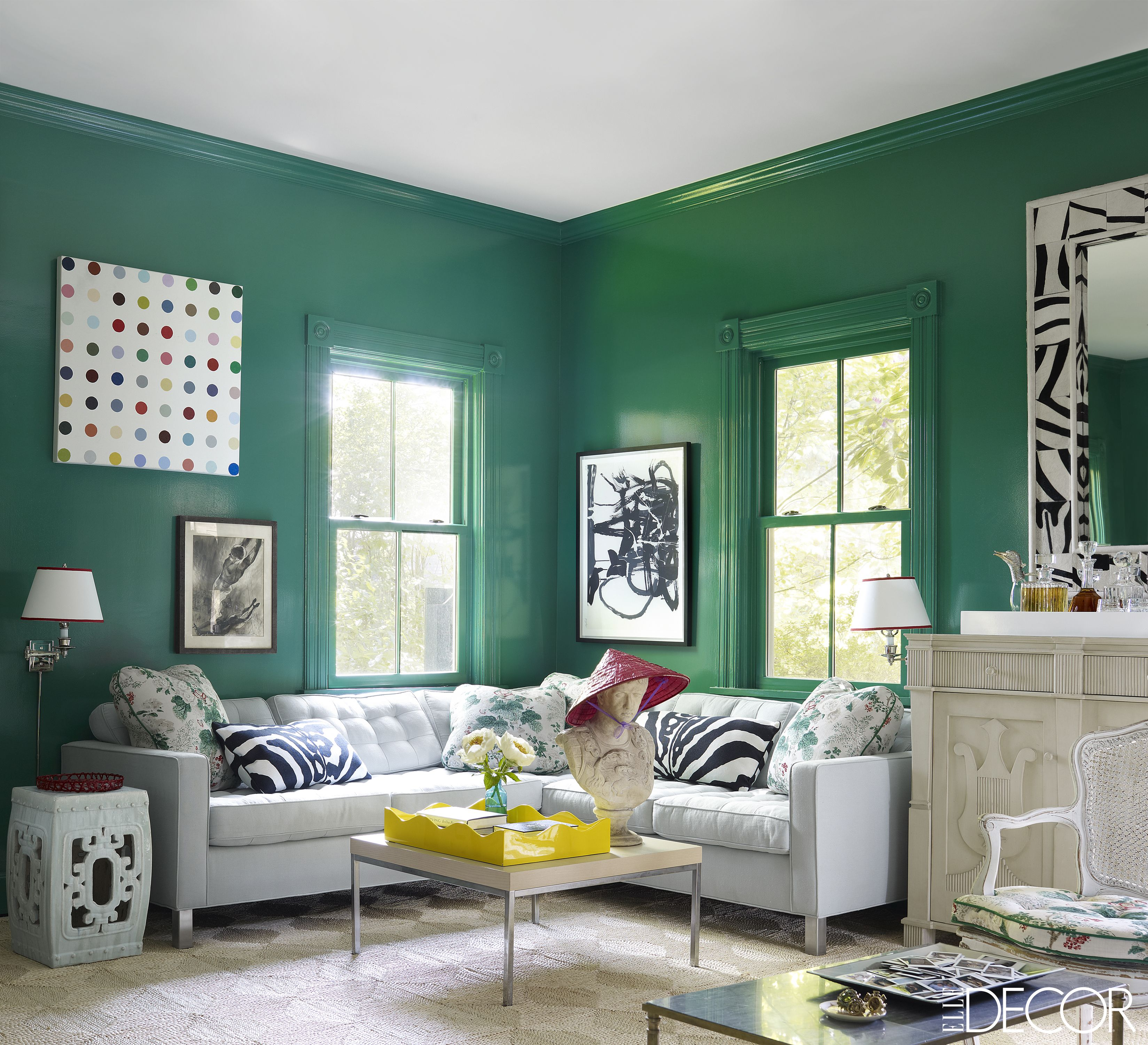 13 green rooms with serious designer style rh elledecor com mint green walls living room ideas grey living room walls with orange accents