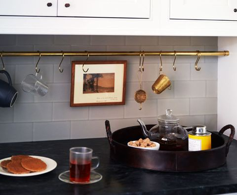 Serveware, Food, Tableware, Drinkware, Drink, Dishware, Cuisine, Plate, Tea, Alcoholic beverage,