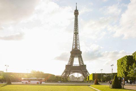 Sky, Tower, Cloud, Infrastructure, Tourism, Urban area, Public space, Summer, Landmark, Metropolitan area,