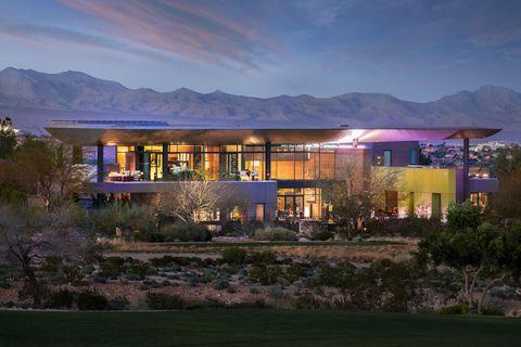 Property, House, Mountain range, Real estate, Home, Building, Facade, Residential area, Garden, Villa,