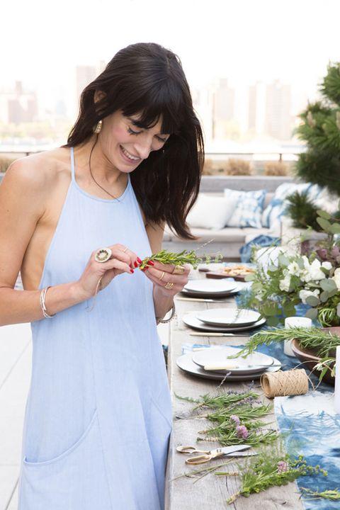 Dress, Jewellery, Day dress, Bowl, Taste, Flower Arranging, One-piece garment, Bracelet, Aquatic plant, Porcelain,