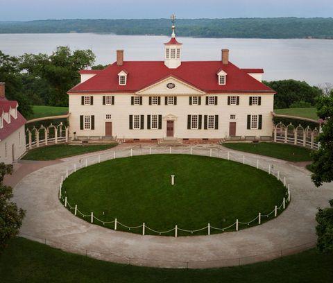 Grass, Property, Facade, Real estate, Land lot, Landmark, Garden, Roof, House, Mansion,