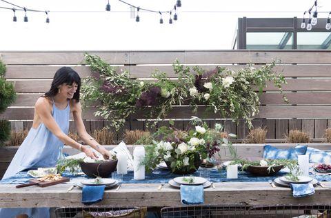 Dress, Flowerpot, Lavender, Serveware, Porcelain, Pottery, Floristry, Houseplant, Herb, Flower Arranging,