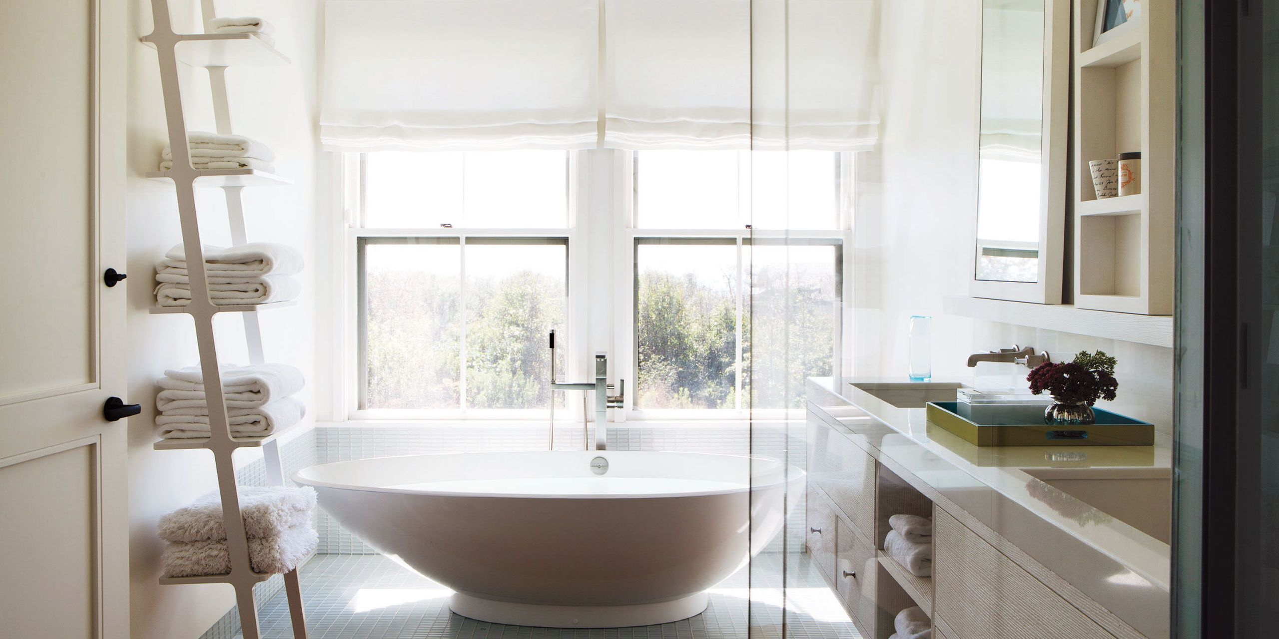 From Bold Bookshelves To Teak étagères, These Are The Most Fashionable Ways  To Keep A Bathroom Organized.