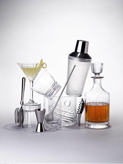 Fluid, Liquid, Glass bottle, Bottle, Drinkware, Barware, Glass, Drink, Distilled beverage, Serveware,