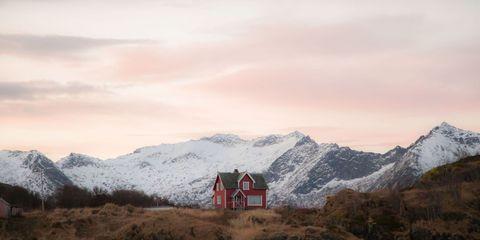 Mountainous landforms, Highland, Winter, Mountain range, Mountain, Valley, Hill, Summit, Glacial landform, Hill station,