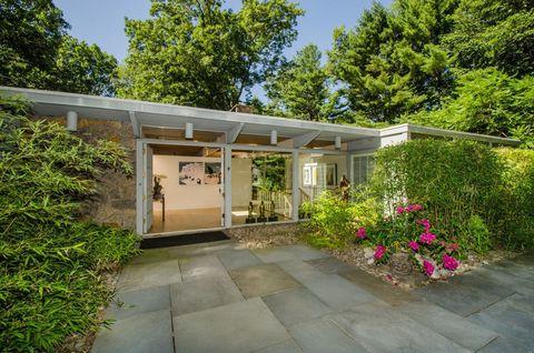 Plant, Property, Shrub, Real estate, Garden, Shade, Door, Walkway, Backyard, Yard,