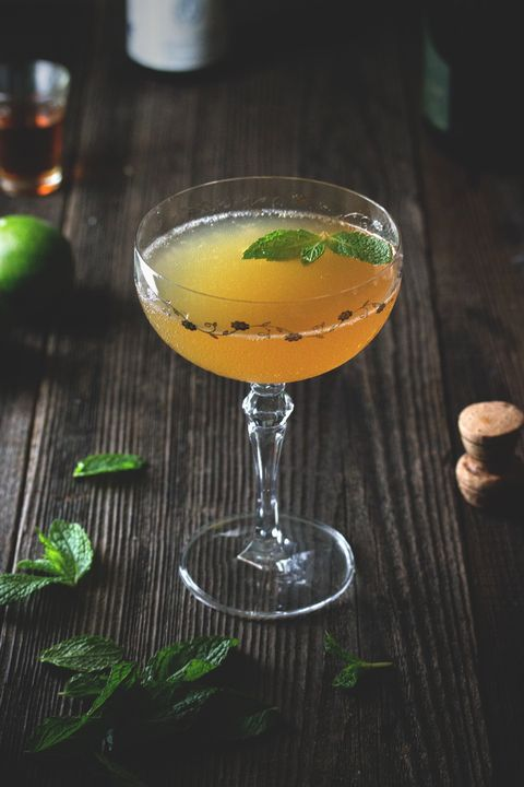 Drink, Tableware, Glass, Alcoholic beverage, Cocktail, Liquid, Classic cocktail, Barware, Fruit, Liqueur,