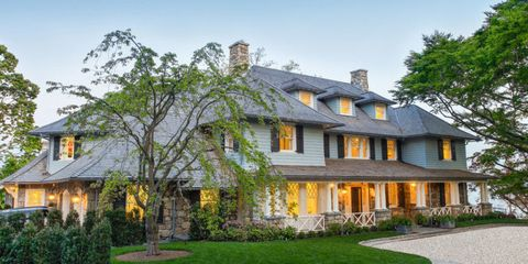 HOUSE TOUR: A Classic Shingle-Style House That Loves Blue