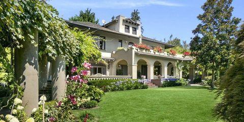 Plant, Property, House, Real estate, Home, Garden, Shrub, Building, Residential area, Porch,