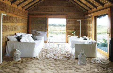 Wood, Room, Interior design, Hardwood, Floor, Linens, Real estate, Fixture, Beam, Home,