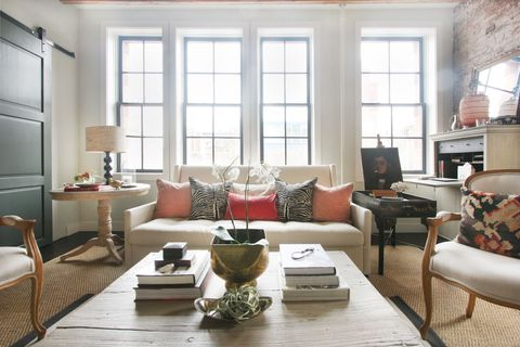 HOUSE TOUR: An Airy Manhattan Loft As Fashionable As Its Owner